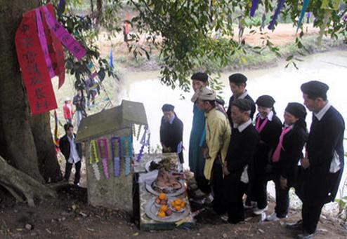 Lễ mở cửa rừng của người Dao - ảnh 1
