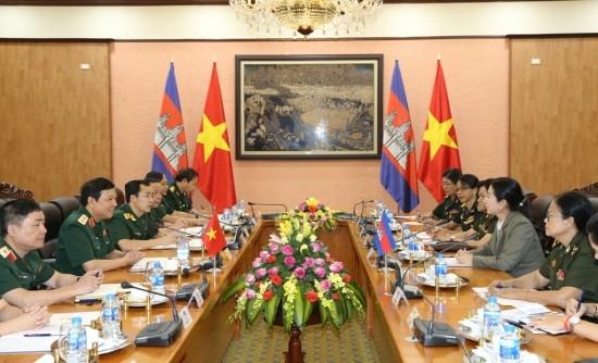 Tăng cường hợp tác giữa phụ nữ quân đội Việt Nam và Campuchia - ảnh 1