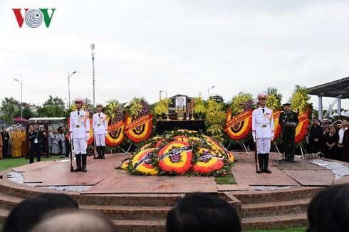 Lễ an táng Chủ tịch nước Trần Đại Quang tại quê hương Ninh Bình - ảnh 3