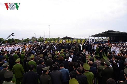 Lễ an táng Chủ tịch nước Trần Đại Quang tại quê hương Ninh Bình - ảnh 2