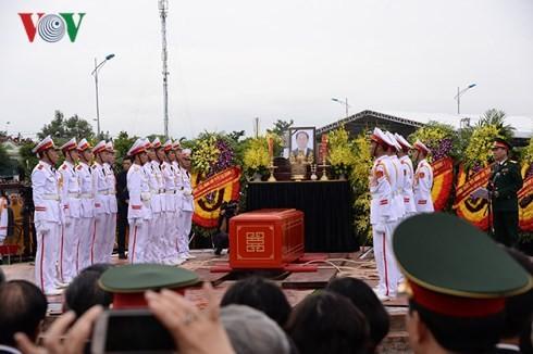 Lễ an táng Chủ tịch nước Trần Đại Quang tại quê hương Ninh Bình - ảnh 1