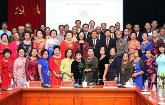 Trưởng ban Dân vận Trung ương Trương Thị Mai tiếp Đoàn cựu giáo viên kiều bào Thái Lan - ảnh 1