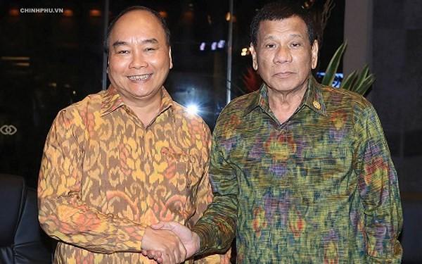 Thủ tướng Nguyễn Xuân Phúc gặp Tổng thống Philippines - ảnh 1