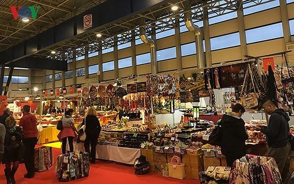 Quảng bá văn hóa, du lịch Việt Nam tại hội chợ Grenoble (Pháp) - ảnh 3