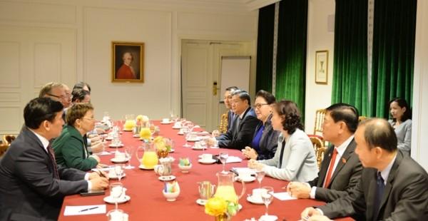 Chủ tịch Quốc hội tiếp Tập đoàn Hàng không vũ trụ và quốc phòng Pháp - ảnh 1