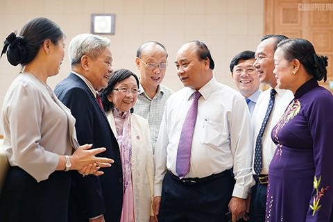 Thủ tướng Nguyễn Xuân Phúc làm việc với Ủy ban Trung ương Mặt trận Tổ quốc Việt Nam - ảnh 2