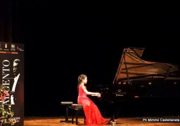 Thí sinh Việt Nam đạt ngôi vị quán quân trong 3 cuộc thi piano quốc tế tại Italia - ảnh 2