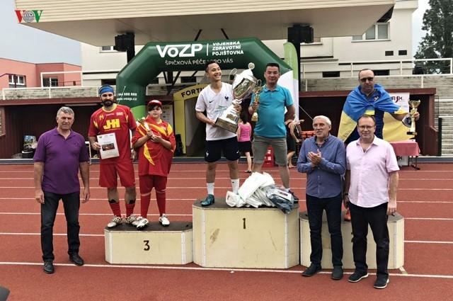 Việt Nam vô địch Giải bóng đá Thượng viện Czech - ảnh 1