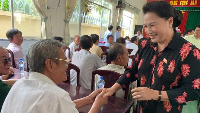 Chủ tịch Quốc hội Nguyễn Thị Kim Ngân tiếp xúc cử tri tại thành phố Cần Thơ - ảnh 1