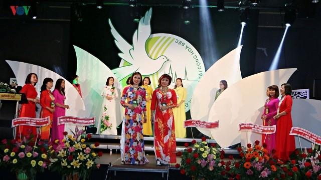 Đại hội Hội Phụ nữ Việt Nam tại Cộng hòa Czech - ảnh 2