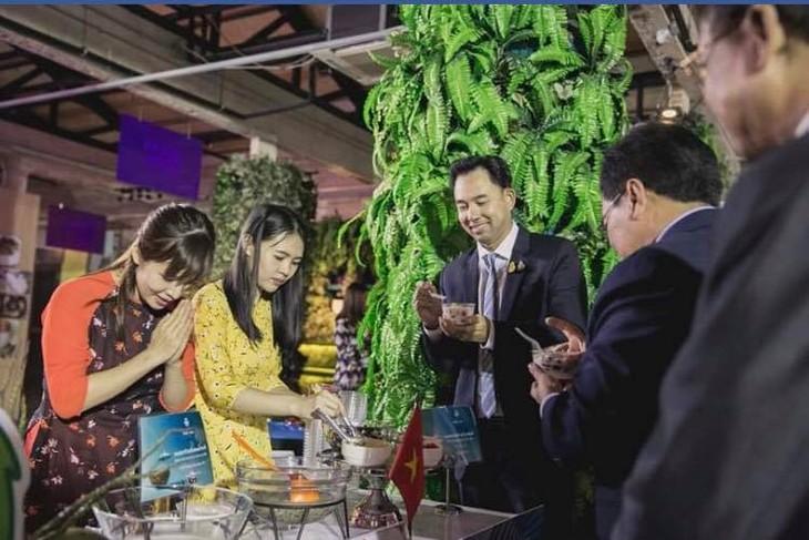 Chè Việt Nam được yêu thích tại lễ kỷ niệm Ngày ASEAN diễn ra tại Bangkok, Thái Lan - ảnh 13