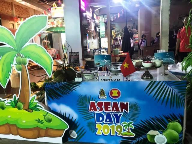 Chè Việt Nam được yêu thích tại lễ kỷ niệm Ngày ASEAN diễn ra tại Bangkok, Thái Lan - ảnh 1