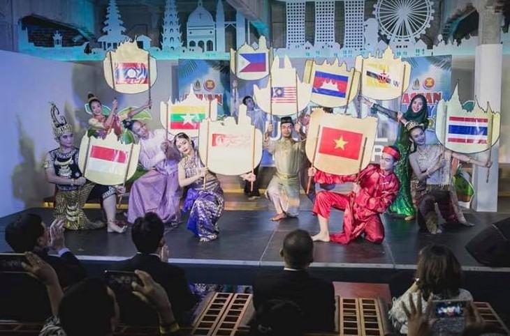 Chè Việt Nam được yêu thích tại lễ kỷ niệm Ngày ASEAN diễn ra tại Bangkok, Thái Lan - ảnh 6