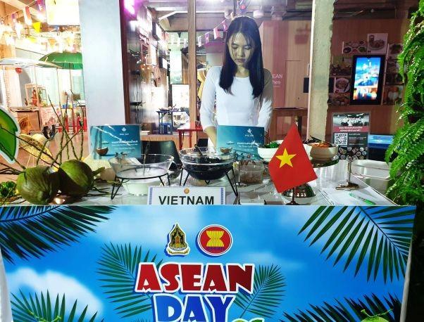 Chè Việt Nam được yêu thích tại lễ kỷ niệm Ngày ASEAN diễn ra tại Bangkok, Thái Lan - ảnh 7