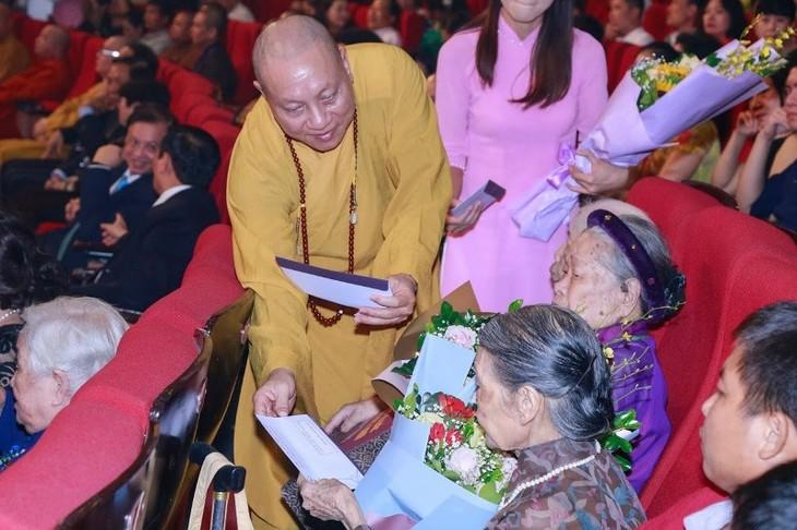 """Chương trình nghệ thuật đặc biệt """"Tự hào Tổ quốc – Mẹ Việt Nam"""" - Ca ngợi những giá trị đạo đức truyền thống của dân tộc - ảnh 3"""