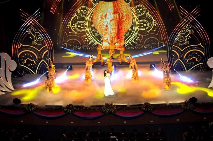 """Chương trình nghệ thuật đặc biệt """"Tự hào Tổ quốc – Mẹ Việt Nam"""" - Ca ngợi những giá trị đạo đức truyền thống của dân tộc - ảnh 5"""