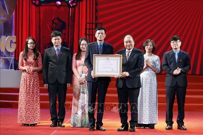 Thủ tướng Nguyễn Xuân Phúc dự Lễ kỷ niệm 90 năm Báo Lao động xuất bản số báo đầu tiên - ảnh 1