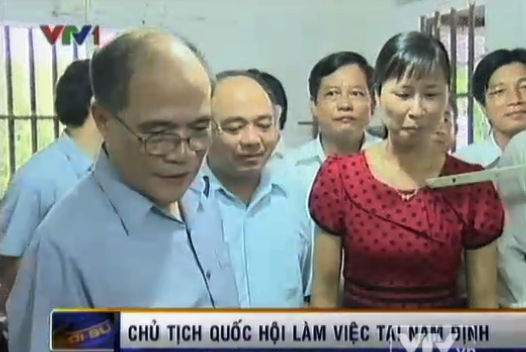 Ketua MN Nguyen Sinh Hung melakukan kunjungan kerja di propinsi Nam Dinh - ảnh 1