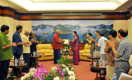 Ketua Parlemen Sri Lanka melakukan kunjungan ke Teluk Ha Long - ảnh 1