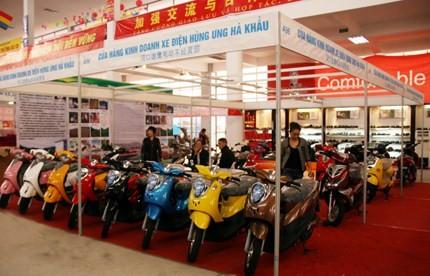 Nilai perdagangan bilateral Tiongkok-ASEAN mencapai lebih dari USD 400 miliar - ảnh 1