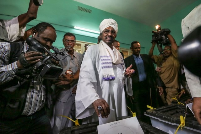Sudan memperpanjang waktu pemilihan umum - ảnh 1