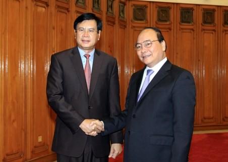 Delegasi Badan Penelitian Strategis Perkembangan Ekonomi Pusat Partai RR Laos berkunjung di Vietnam - ảnh 1