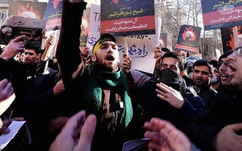 Semua negara mendesak supaya menangani ketegangan antara Arab Saudi dan Iran melalui dialog - ảnh 1