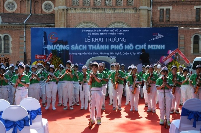 Jalan buku kota Ho Chi Minh resmi dijalankan - ảnh 1