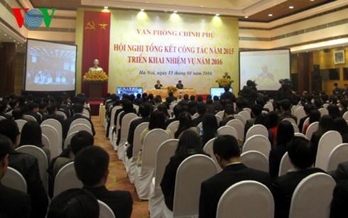 Deputi PM Nguyen Xuan Phuc menghadiri Konferensi penggelaran tugas tahun 2016 dari Kantor Pemerintah - ảnh 1