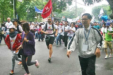 Lomba lari demi kaum anak-anak kota Hanoi  - ảnh 1