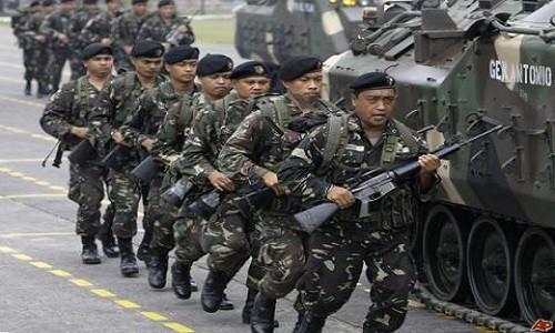 Tentara Filipina melakukan serangan udara yang keliru , sehingga membuat kira-kira 20 serdadu tewas - ảnh 1