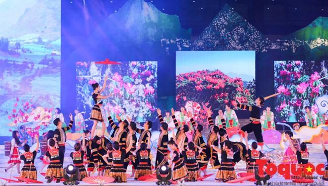 Temu pergaulan kebudayaan Vietnam-Laos - ảnh 1