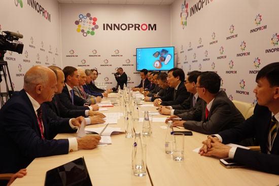 Vietnam dan Federasi Rusia  memperkuat konektivitas kerjasama perdagangan-ekonomi antar-daerah - ảnh 1