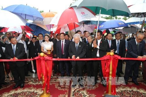 Sekjen KS PKV,  Nguyen Phu Trong: Memperkuat kerjasama antara daerah Vietnam dan Kamboja - ảnh 2
