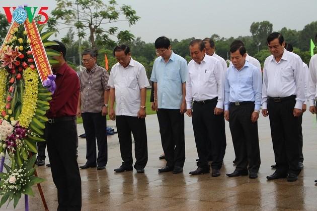 Deputi Harian PM Vietnam, Truong Hoa Binh melalukan kunjungan kerja di propinsi Quang Ngai - ảnh 1
