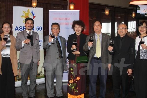 Vietnam menyelenggarakan Pekan Budaya, Wisata dan Kuliner tradisional di Afrika Selatan - ảnh 1