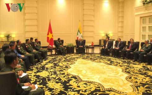Sekjen KS PKV Nguyen Phu Trong menerima Jenderal Besar, Min Aung Hlaing, Panglima Tertinggi Angkatan Bersenjata Myanmar - ảnh 1