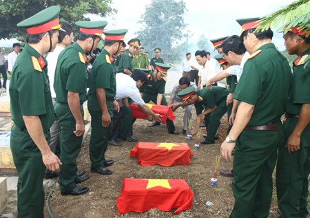 Terus berkoordinasi mencari, mengumpulkan dan memulangkan tulang belulang para martir - ảnh 1