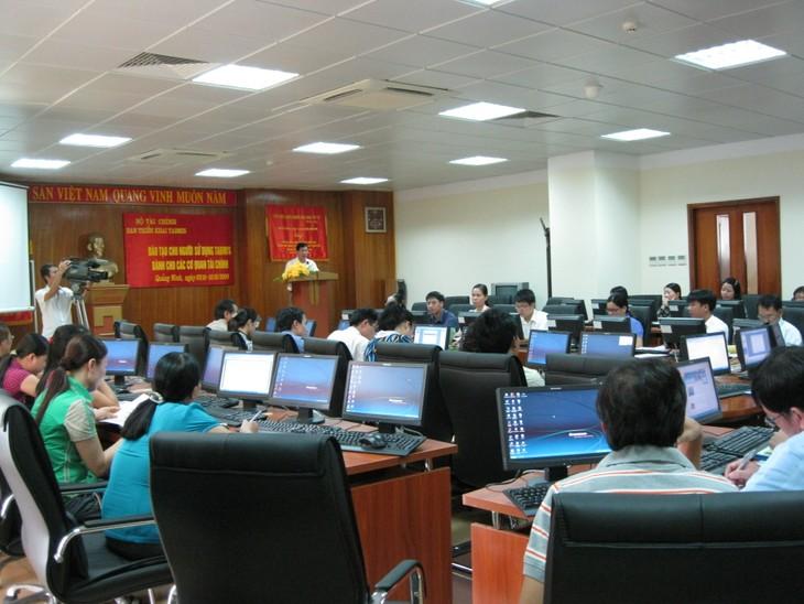 Vietnam memperkuat dan menjamin keamanan informasi dalam lingkungan siber - ảnh 1