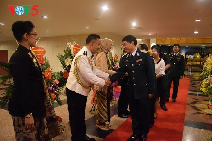 Peringatan ultah ke-72  berdirinya TNI (1945-2017) di Kota Hanoi - ảnh 1