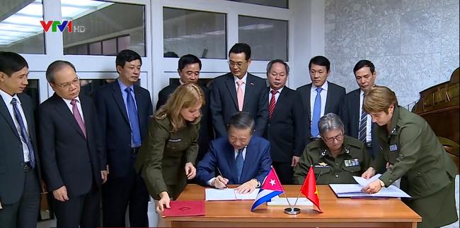 Kementerian Keamanan Publik Vietnam dan Kementerian Dalam Negeri Kuba memperkuat kerjasama bilateral - ảnh 1