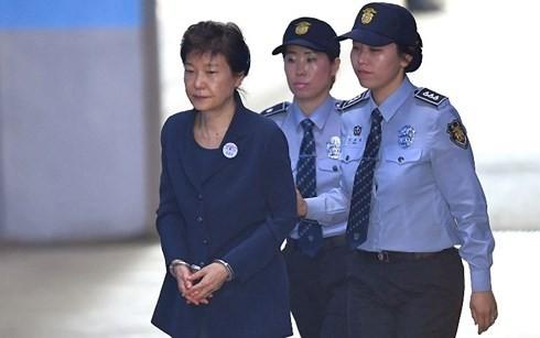 Pengadilan Republik Korea mengadakan kembali pengadilan terhadap mantan Presiden Park Geun-hye tanpa terdakwa - ảnh 1