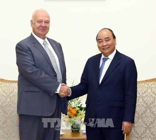 PM Nguyen Xuan Phuc menerima Dubes Federasi Rusia di Vietnam - ảnh 1
