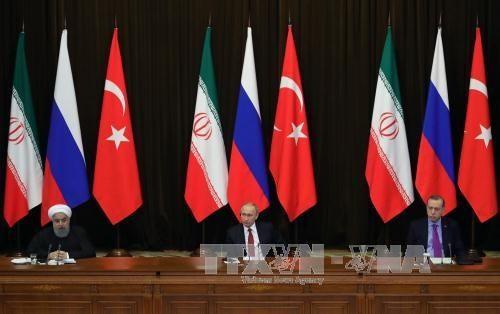 Menetapkan waktu penyelenggaraan KTT trilateral antara Rusia, Turki dan Iran tentang Suriah  - ảnh 1