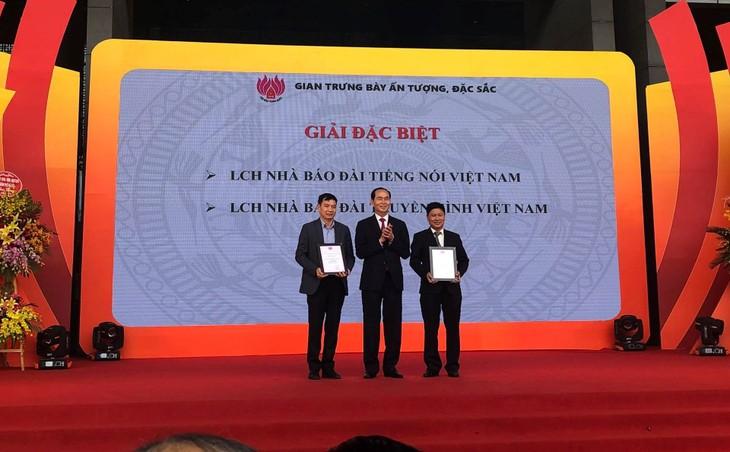 Presiden Vietnam, Tran Dai Quang menghadiri acara penutupan Festival Koran Nasional tahun 2018 - ảnh 1