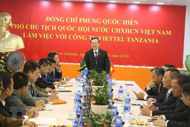 Wakil Ketua MN, Phung Quoc Hien melakukan kunjungan kerja di Tanzania - ảnh 1