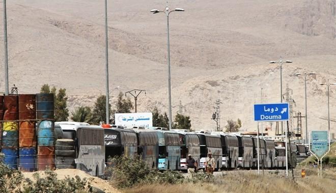 Suriah: 2000 warga diungsikan dari Kota Harasta untuk gelombang  pendahuluan - ảnh 1