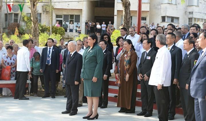 Mempereratkan  lagi hubungan kerjasama komprehensif Vietnam-Kuba - ảnh 1