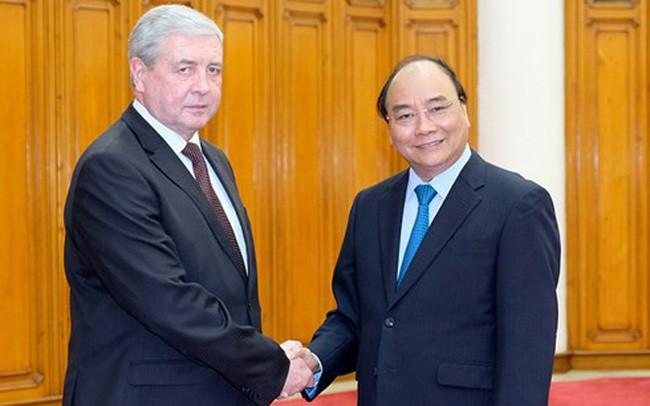 PM VN, Nguyen Xuan Phuc menerima Deputi PM Republik Belarus - ảnh 1
