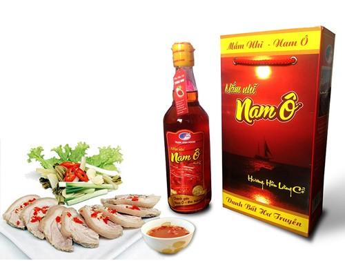 Mengkonservasikan dan mengembangkan Desa penghasil kecap ikan  Nam O - ảnh 1